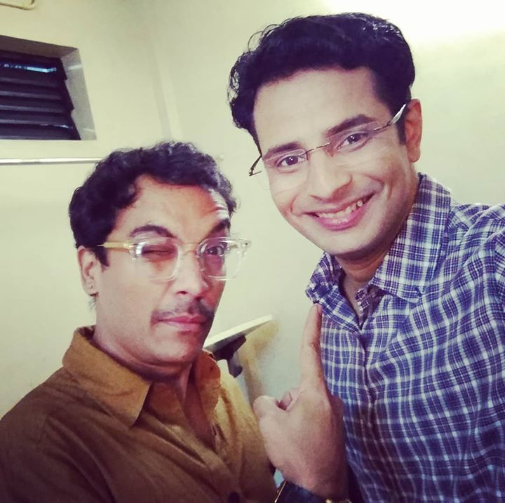 Happy Birthday to my dearest friend, philosopher and guide Vrajesh Hirjee Bigg Boss 6 , the personification of supreme wit and performance talent! Wish the absolute very best! 🎂  @colorsgujaratiofficial @bollywood @bollywoodnow @instantbollywood @gujaratimovies @bollywoodimages @ibollywoodlife @colorstv @balajimotionpictures  #VrajeshHirjee #actor #theatre #films #stage #friend #philosopher #guide #mentor #inspiration #awe #lovethisguy #funny #witty #kahonaapyaarhai #golmaal #golmaalagain #golmaalreturns #bigboss #biggboss #hindi #bollywood #film #movies #bollywoodactor #OjasRawal #showbusiness #comedy #entertainment #actors