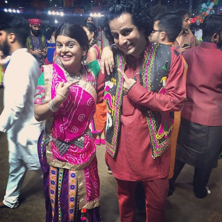 Saee hai ! Sahi hai ! SAEE Sahi hai 😎 Happy Birthday, Barve Ji !!! To one of the most hilarious comediannes and innately talented gals I've ever known... HAPPY BIRTHDAY, Dear Friend 🤗  #SaeeBarve #HappyBirthday #OjasRawal #friends #actors #comedians #colors #garba #navratri #unitedway #pals #buddy #goodtimes #funnygirl #waybackwednesday #buddies #lovethisgirl #funtimes #gujarati #gujju #friend #lakshmi #actor #actress #theatre #tv #happy #birthday #bestwishes #fun  @colorstv @colorsgujaratiofficial @saeebarve21 @ahmedabadtimestoi @shemarooguj @gujju_film_celebrity @gujarati.filmindustry @ahmedabad_instagram @uwaybaroda @unitedwaybaroda