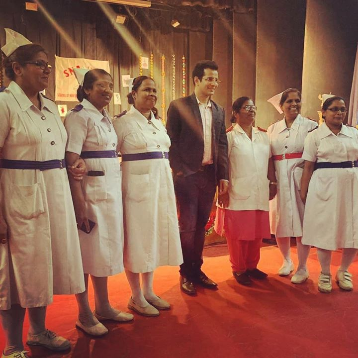 Ojas Rawal,  WorldNursesDay, Mumbai, sion, hospital, nursing, medical, medlife, groupphoto, nursinglife, nurses, nurselife, rn, nursingstudent, nursingschool, health, medicine, doctors, nursepractitioner, happy, nurse, nurseslife, OjasRawal, ojas, actor, guest, memory, throwback, may, sunday, bestwishes