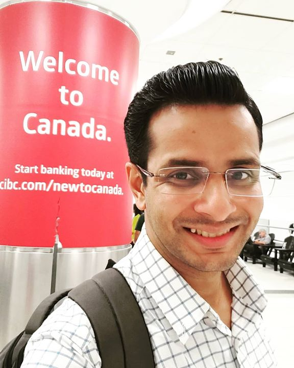 In Toronto 🇨🇦 for a week 😍 ! For a new, beautiful play.. a dance musical on the life of Mahatma Gandhi commemorating his 150th birth anniversary! . #toronto #canada #play #OjasRawal #actor #traveldiaries #globetrotter #traveling #funtimes #smile #selfie #ilovecanada #seetheworld #globalcitizen #ojas #travellifestyle #explorer #wanderer #wanderlust #ohcanada #canadian #airport #newbeginnings #adventure #tour #travel #trip #tourism #actorlife #happyme