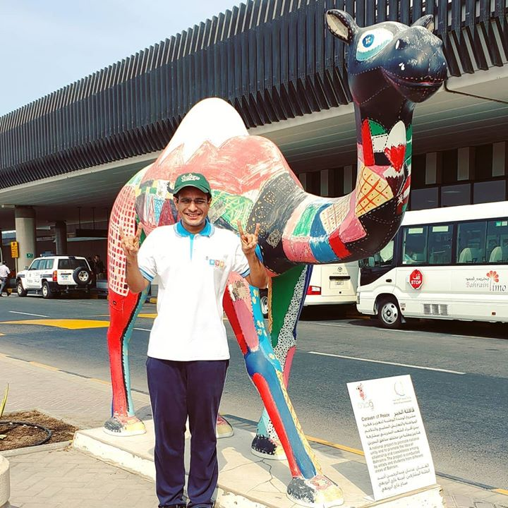 🤘Go Bulls in camel country🐪 . #camel #Bahrain #airport #travellife #statue #GoBulls #OjasRawal #usf #universityofsouthflorida #travel #trip #travelislife #traveldiaries #tourism #gulf #dubai #uae #ojas #actor #happyme #touring #traveling #iloveanimals #camels #sculpture #monument #bahraininstagram #bahrainbloggers #kingdomofbahrain #persiangulf