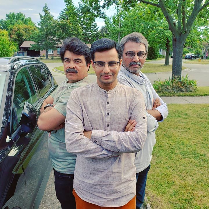 Between two masters of stagecraft 🎭 Throwback memory with my gurus in Ontario, Canada 🇨🇦 . #throwback #memory #canada #AnkurPathan #NisargTrivedi #OjasRawal #actor #choreographer #director #theatrelife #actorlife #canadadiaries #memories #tbt #ontario #gujarati #gujju #gujarat #ahmedabad #toronto #throwbackthursday #thursday #guru #theaterlife #actorslife #traveldiaries #travellife #gujrati #ojas #lovetheseguys #trio @ Toronto, Ontario