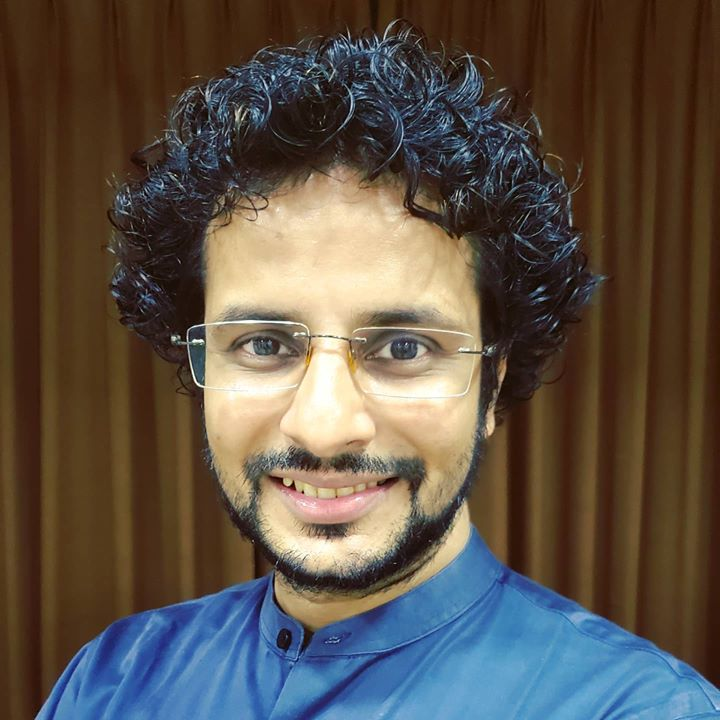 Current look 👨‍🦱 Yes, originally they're curly. . #hair #curls #look #actor #OjasRawal #hairdo #hairstyle #haircut #hairgoals #goodhairday #haircare #naturalhair #curlyhair #curlyhairroutine #hairstyles #hairtransformation #hairart #ojas #hairstyling #hairlove #hairfashion #hairenvy #hairdesign #beard #newlook #smile #glasses #mumbai #actorslife #actorlife