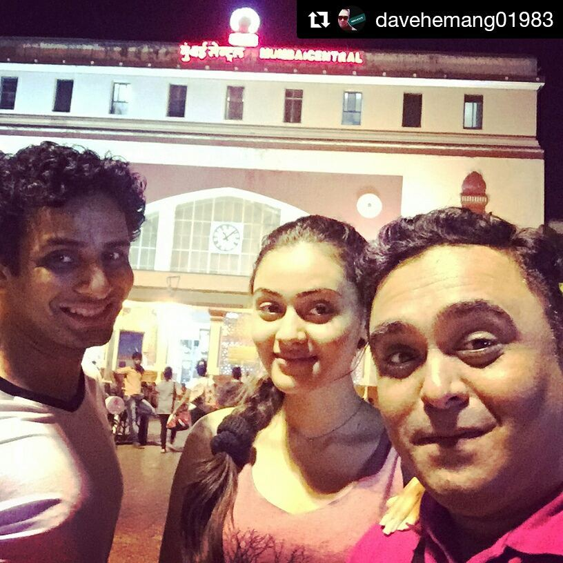#Repost @davehemang01983 with @repostapp ・・・ Back to Ahmedabad with amazing company @jankibodiwala @crazyjass77 @ojasrawal ... #costars #comedy #movie #film #actors #actorslife #dubbing #photoshoot #masti #fun #traveling #insta #instaselfie #instafamous #instastyle #instalikes #keeplovingme #famous #celebrities #fashion #train #railway #goodtimes #funtimes #loveuall #keeplovingme #guys #tc #😘😘