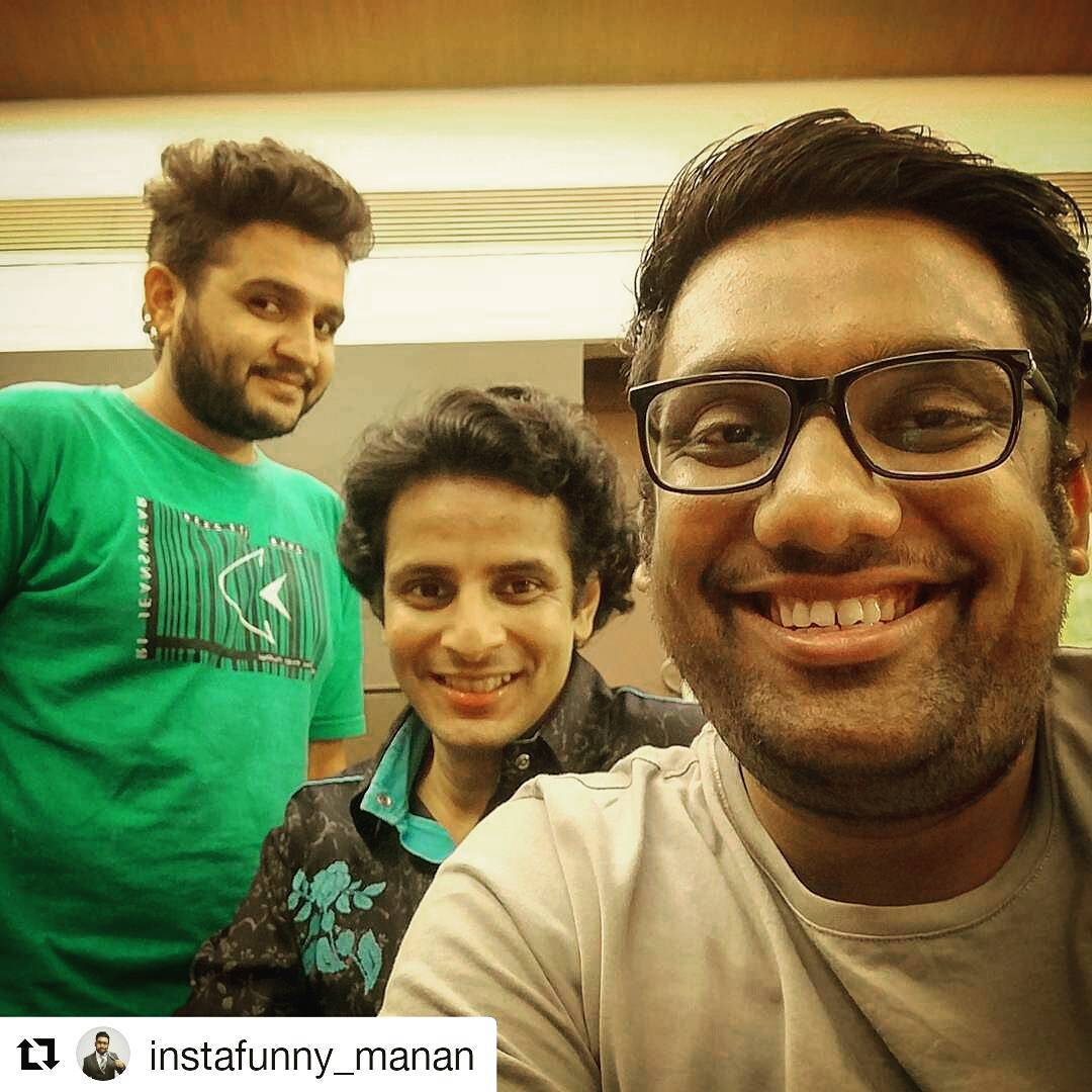 Ojas Rawal,  Repost, HirjiNiMarji, TheComedyFactory, tcf, reunion, nostalgia, friends, actors, comedians, friendsforlife, bffs, lovethesetwo, lovetheseguys, funtimes, laughter, madness, dhamaal, masti, lol, selfie, awesome, fun, whatanight, manandesai, premgadhavi, ojasrawal, ojas, trio, ahmedabad, greatnight
