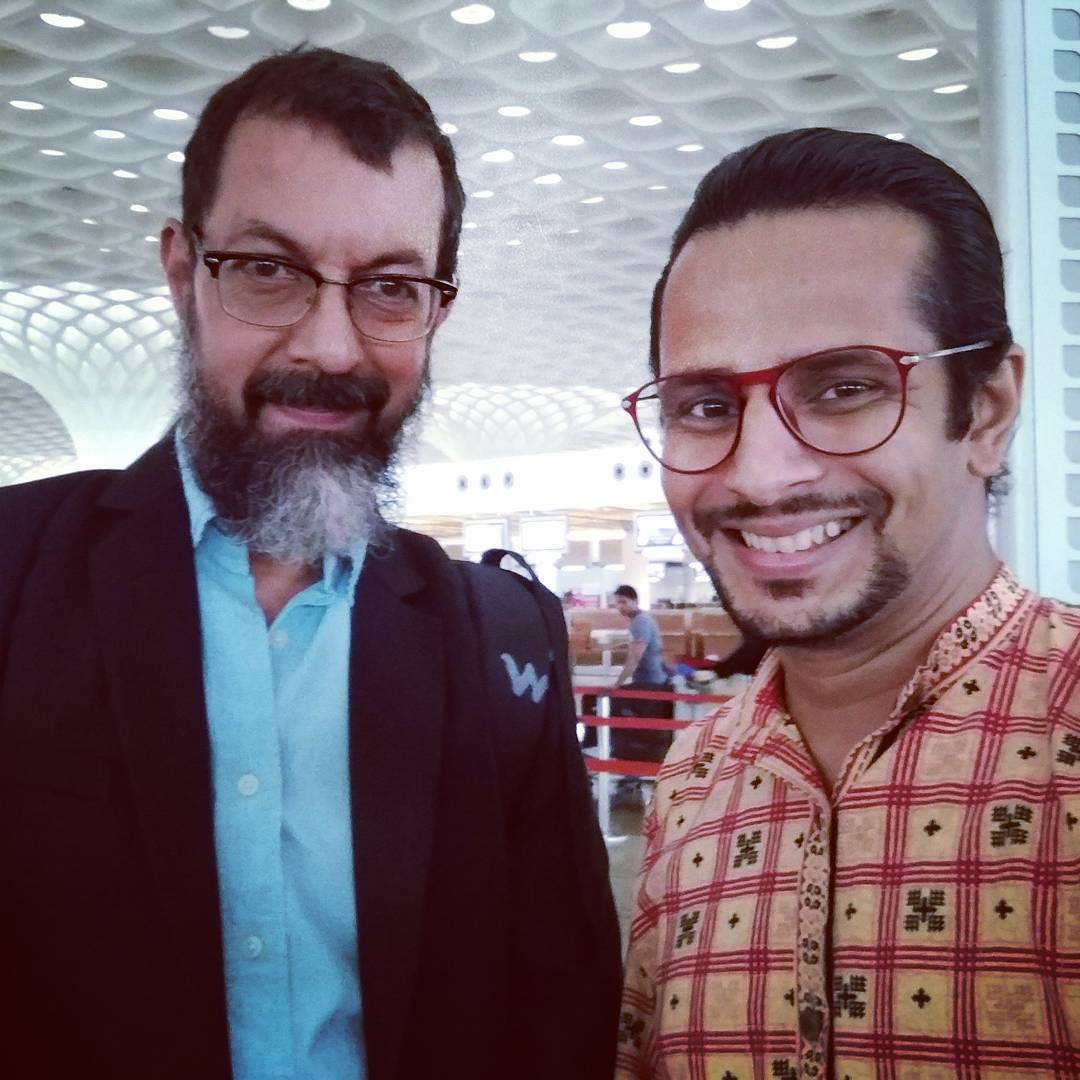 Ojas Rawal,  RajatKapoor, mumbai, airport, fan, celeb, film, movie, bollywood, theatre, celebrity, fangirling, love, fanboy, lucky, selfie, actor, filmmaker, writer, director, hindi, gujarati, cinema, celebrities, beard, actors, actorslife, awe, rolemodel, inspiration, motivation