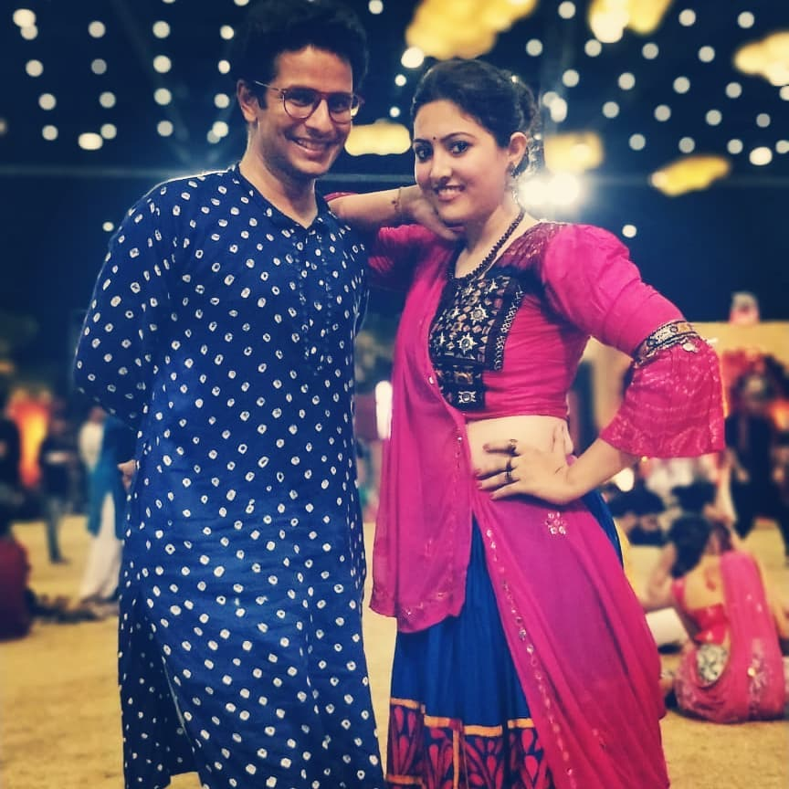 HAPPY BIRTHDAY, ARCHANA @archiegraphy 🎂! Hearty Wishes to this unabashed force of crazy awesomeness, the loving friend and the maverick filmmaker! 🤗 🔹 #ArchanaDesai #OjasRawal #director #actor #friends #HappyBirthday #pals #garba #navratri #ojas #happy #birthday #bestwishes #lovethisgirl #awesome #buddy #thisgirl #smiles #smiling #friend #pals #gujarati #gujju #gujarat #mumbai #artist #indianoutfit #indiandress #traditional #outfit