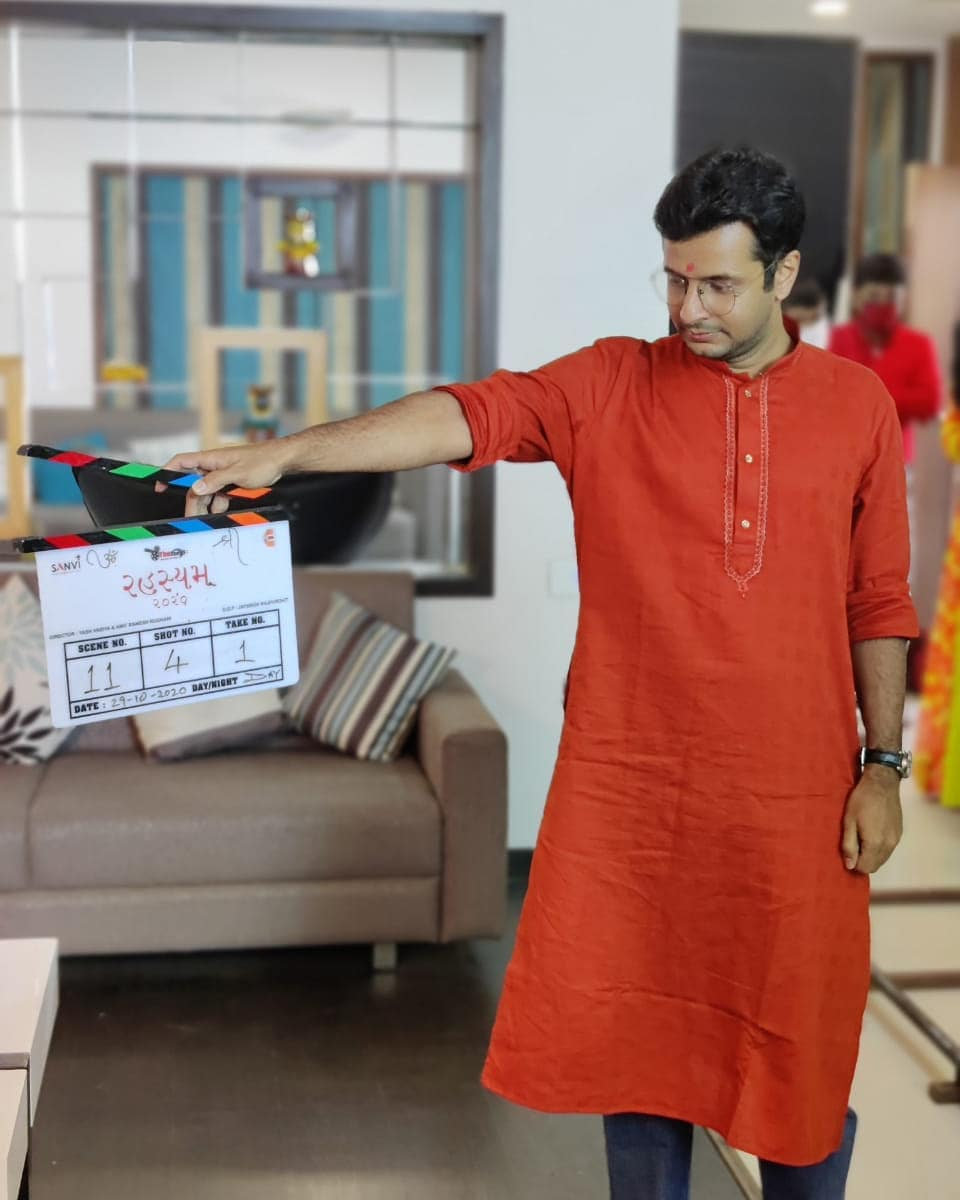 Ojas Rawal,  clap, filmmaking, movie, shoot, OjasRawal, actor, cinema, working, havingfun, nostalgia, director, atwork, clapper, gujaratimovie, gujaratifilm, rahasyam, 2020, november, monday, mondaymotivation, mondaymood, mondayvibes, mondayblues, motivationmonday, ahmedabad, amdavad, gujarati, gujju, gujarat, workmodeon