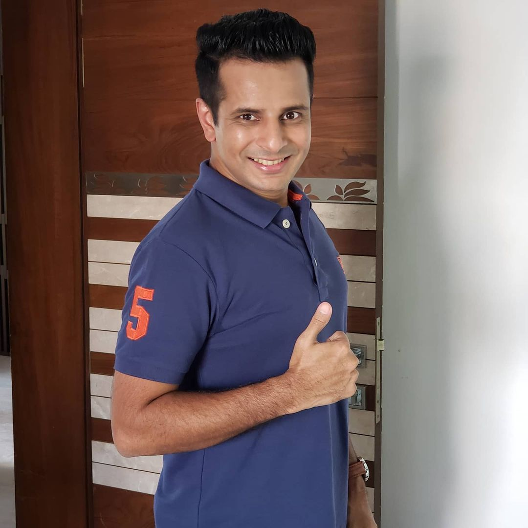 Ojas Rawal,  StayFocused, WorkHard, SmileAlways, BePositive, DontWorry, begood, actor, OjasRawal, mumbai, smile, smiling, thumbsup, goodthoughts, positivethinking, toughtimes, positivity, happiness, staypositive, bestrong, inspiration, positivevibes, motivational, mindset, motivation, inspirational, gujarati, gujarat, ojas, happysoul, lifelessons