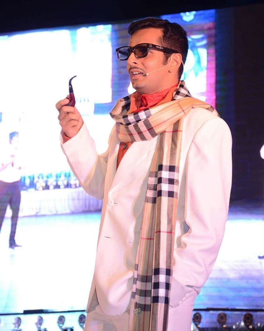 Ojas Rawal,  bollywood, actor, hindifilm, OjasRawal, onstage, theatre, performance, act, actorlife, casting, jaani, hindimovie, theater, acting, actorslife, bollywoodactor, rajkumar, mumbai, throwback, performing, swag, raajkumar, ojas, workisfun, atwork, lovemywork, doingwhatilove, dowhatyoulove, whereibelong