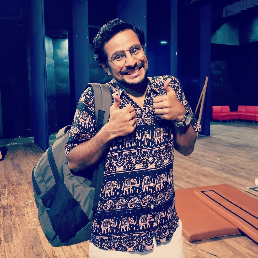 The JOY of acting on stage after a long spell 🎭 two back-to-back housefull shows! Enacted the role of Adv.Ishwarchandra Vidyasagar in the milestone play