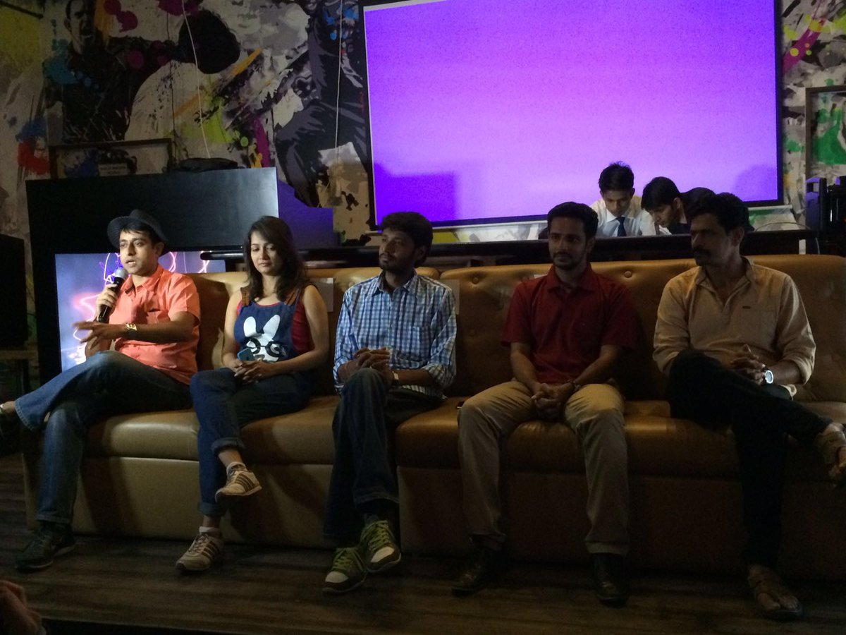 RT @PolamPolMovie: Team #PolamPol interacting with press in #Surat! #CityTours #PolamPolOn12Feb https://t.co/UWRE11ta8B