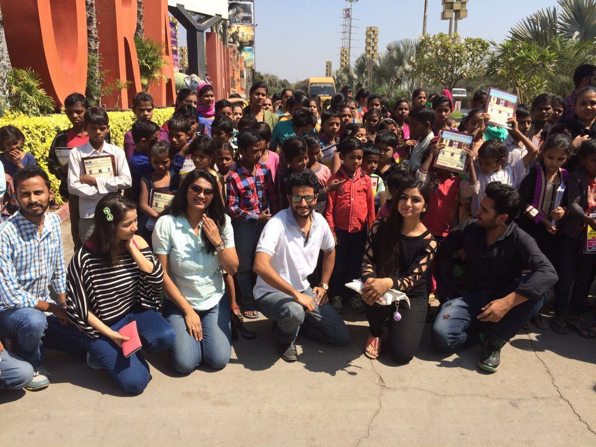 RT @PolamPolMovie: Special screening of #PolamPol held yesterday for the underprivileged kids at #Ahmedabad https://t.co/4DKtsND7mb