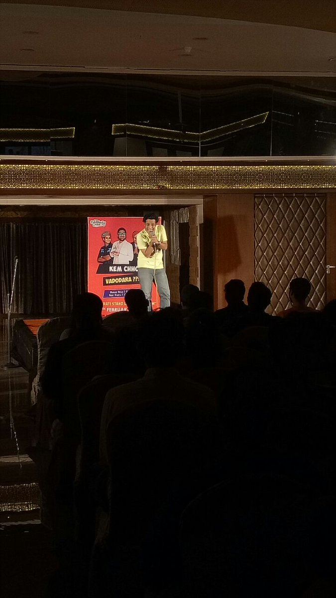 RT @ComedyFactoryIn: @RawalOjas tickling the funny bone of audience 😝 https://t.co/WyLhadAlb7