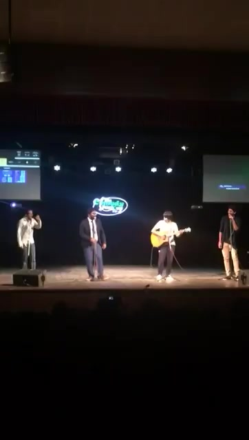 RT @ComedyFactoryIn: The Comedy Factory members singing odhni ude to..song 😊  #GujaratiNightOut https://t.co/zHV6uGC9DT